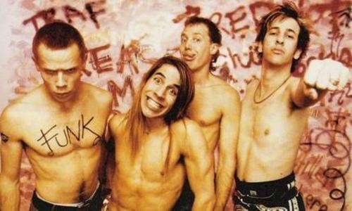 Red Hot Chili Peppers wallpaper containing a six pack, a hunk, and skin titled Old Peppers