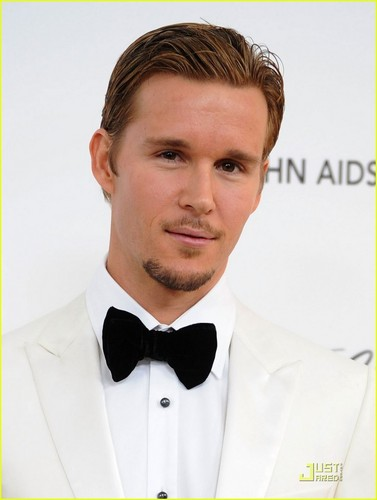 Ryan Kwanten - Oscars Viewing Party Time!