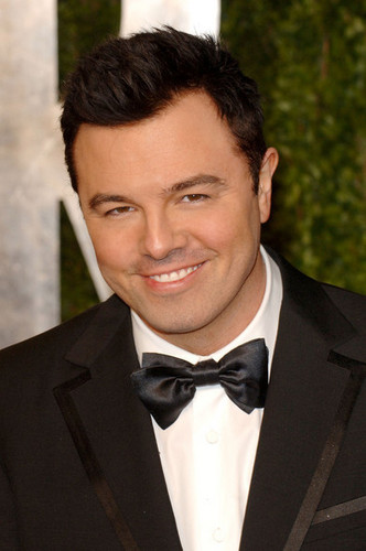 Seth MacFarlane @ the 2011 Vanity Fair Oscar Party