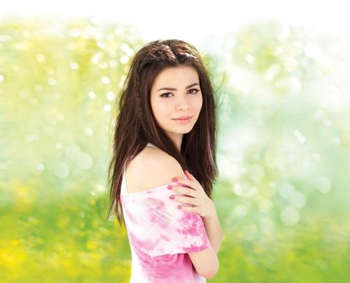 Miranda Cosgrove Sparks Fly Selena Taylor And