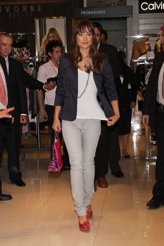 olivia wilde- Liverpool Fashion Fest Photocall in Mexico City - February 25 2011