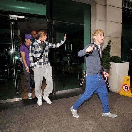 the boys leaving their hotel in dublin!!:Dxxx