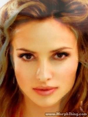 Alicia Silverstone, Almudena Fernandez