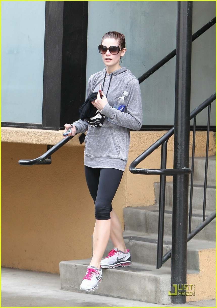 Ashley Greene works out