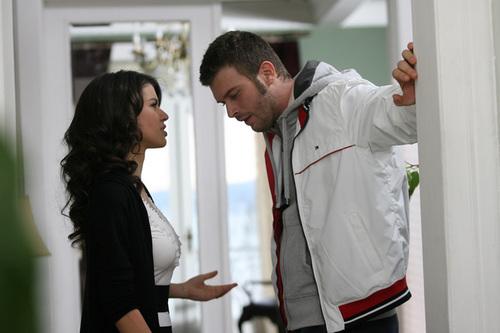 Beren Saat with Kivanc Tatlitug in Ask-i Memnu