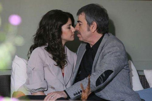 Beren Saat with Selcuk Yontem in Ask-i Memnu