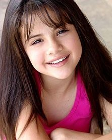 http://images4.fanpop.com/image/photos/19800000/Cute-Selena-as-a-little-girl-selena-gomez-19877911-222-278.jpg
