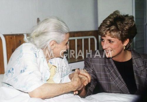 Diana Visiting Refugee Camp In Hungary