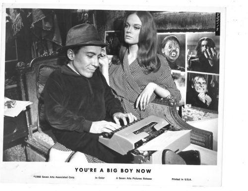 Elizabeth Hartman and Michael Dunn