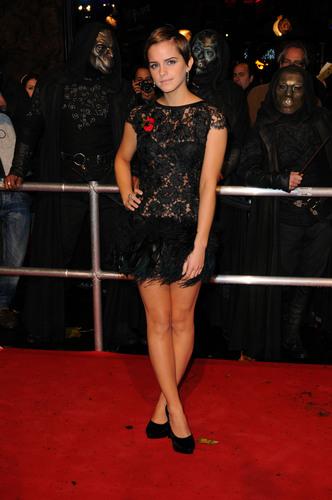 Emma Watson (HP7 Premier) Pt10