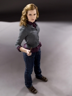 Hermione Granger wallpaper containing a pantleg, a well dressed person, and an outerwear titled Harry Potter Half-Blood Prince