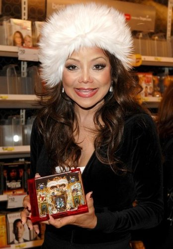 LATOYA WITH FAMILY