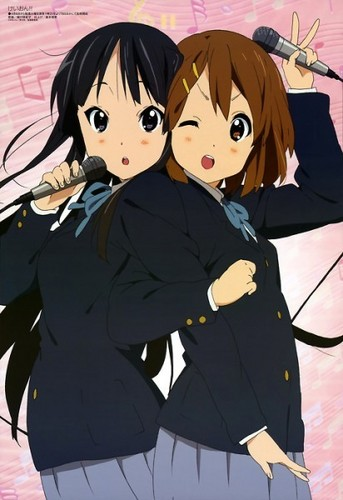 Mio and Yui canto together