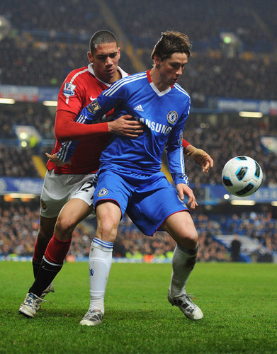 Fernando Torres fondo de pantalla containing a soccer ball entitled Nando - Chelsea(2) vs Manchester United(1)