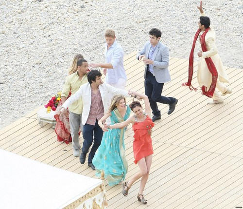On The Set of 90210 Season 3 > March 2nd, 2011