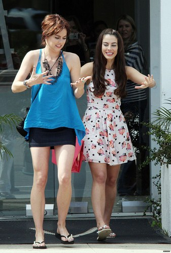 On The Set of 90210 Season 3 > March 3rd, 2011