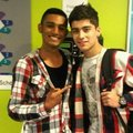Sizzling Hot Zayn Wiv A M8 (Tong High School) I Ave Enternal Cinta 4 Zayn & Always Will 100% Real x