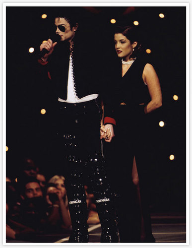 ♪♫ Michael and Lisa♪♫
