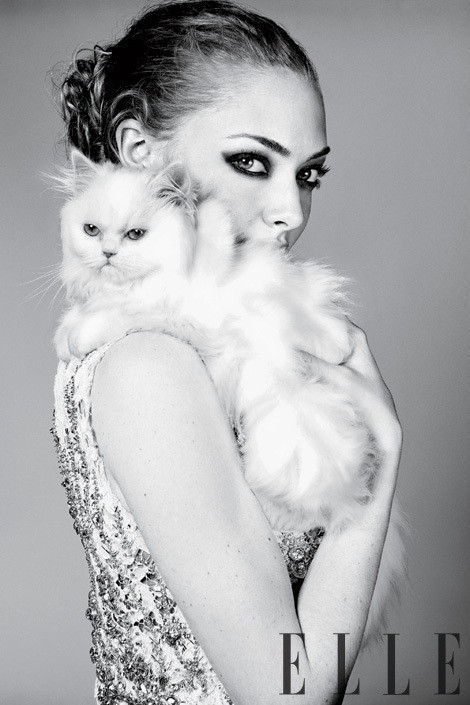 Amanda Seyfried 'Elle' Photoshoot April 2011!