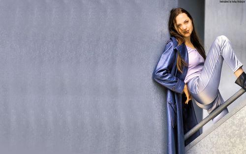 Angelina Jolie দেওয়ালপত্র