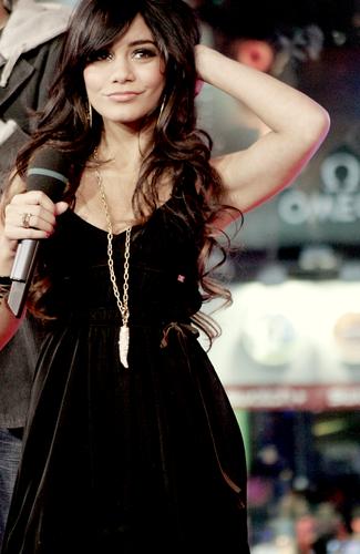 Best Pics of Vanessa. <3
