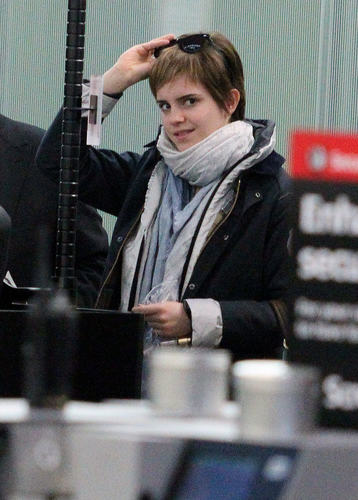 Emma Leaving From London - 03.03.2011