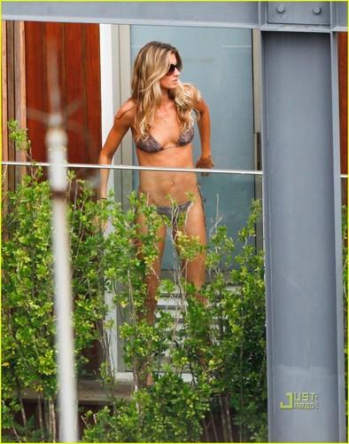 Gisele Bundchen: Bikini Babe in Brazil