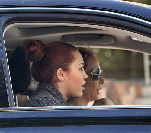 Heading to a Studio in Los Angeles (7th March 2011)