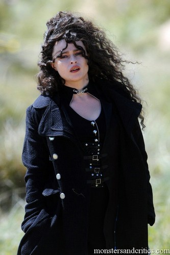 Helena on the set of Harry Potter DH - helena-bonham-carter Photo