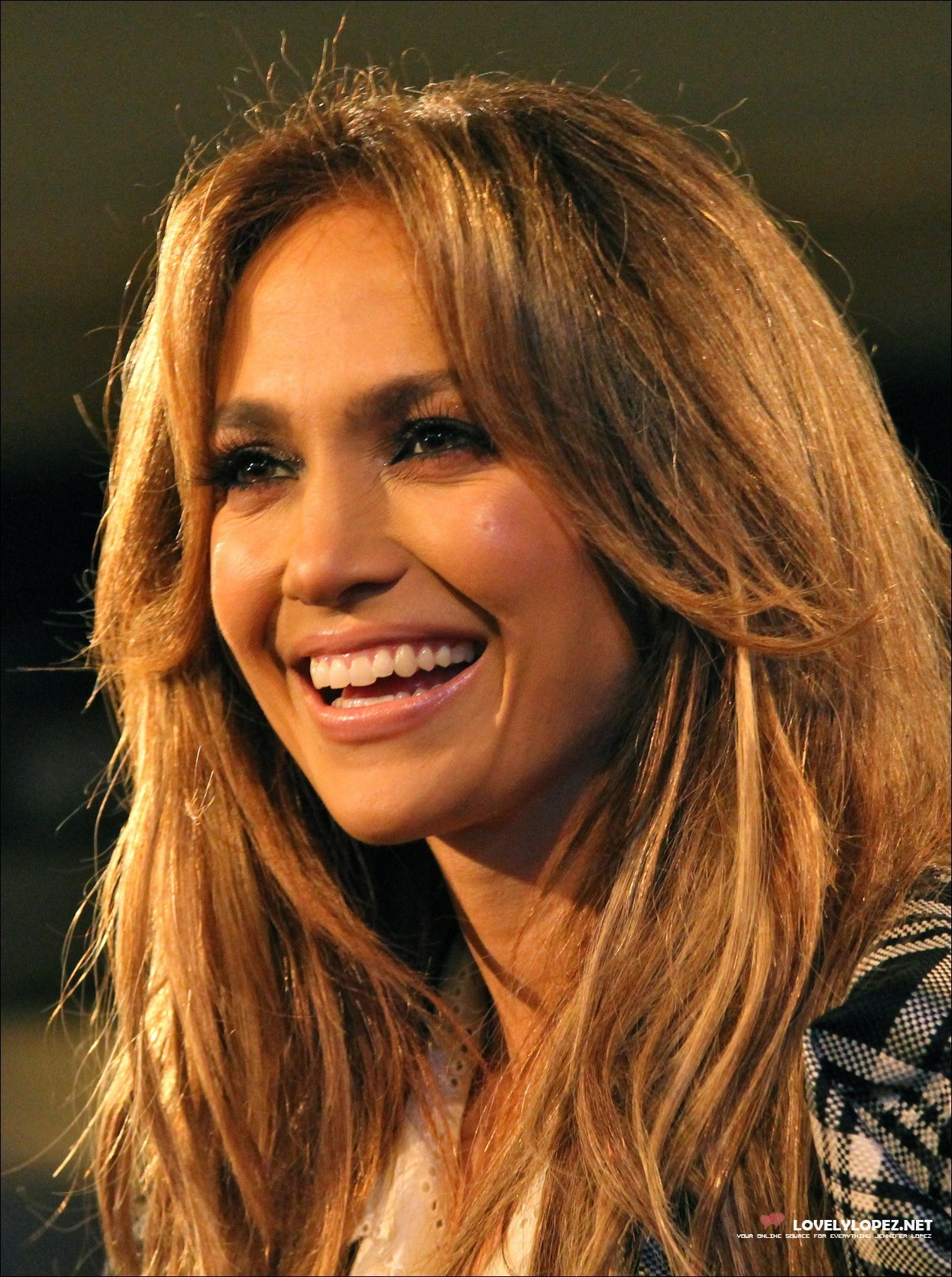 Jennifer Lopez Visits EXTRA At The Grove