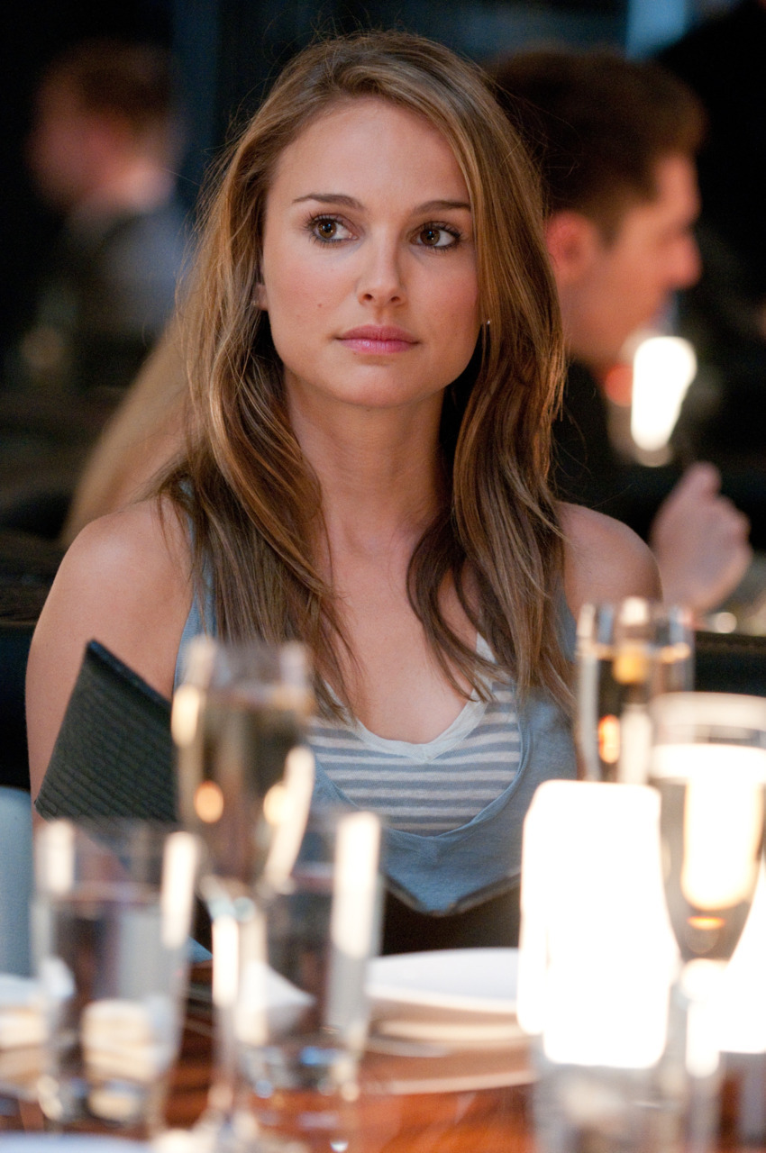 girl from no strings attached