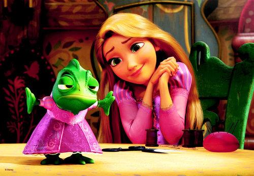 Rapunzel&Pascal wallpaper
