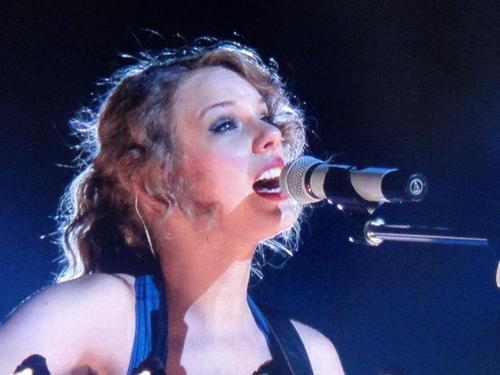 Speak Now World Tour: Osaka, জাপান [February 13, 2011]