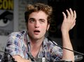 huh.. - robert-pattinson photo