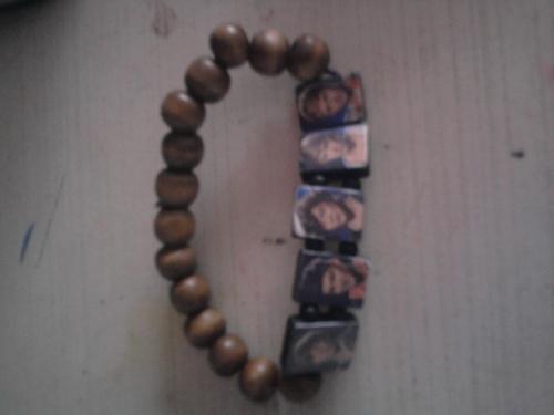 my one direction bracelet!!