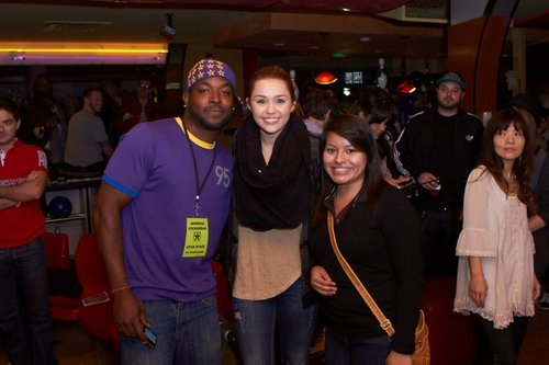 5th Annual Stars & Strikes Celebrity Bowling and Poker Tournament (9th March 2011)