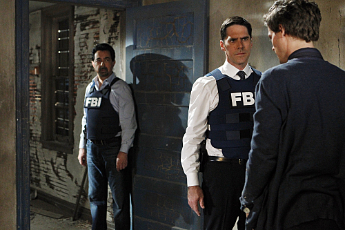 SSA Aaron Hotchner wallpaper with a business suit entitled Aaron Hotchner 6x12