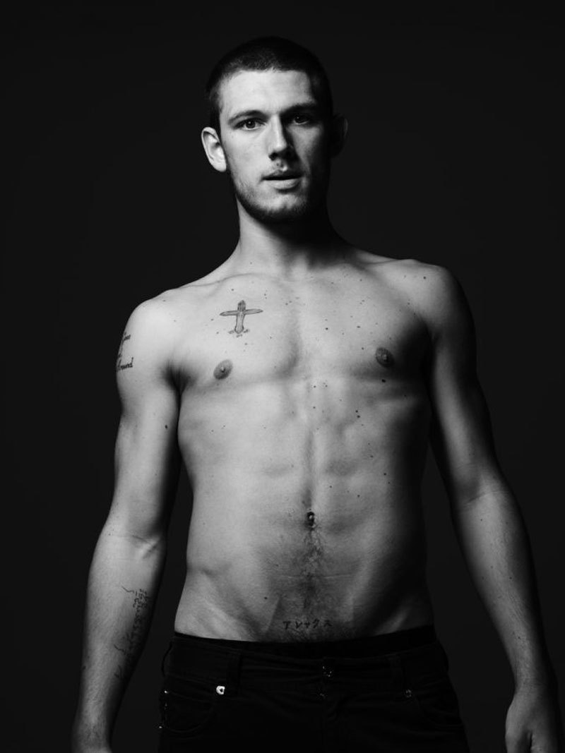 Alex Pettyfer - Images Gallery