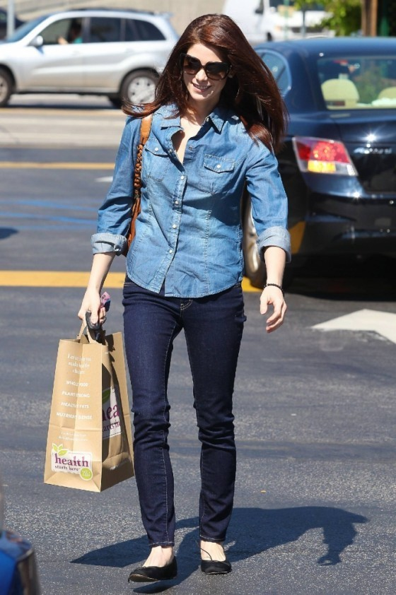 Ashley Greene Out Shopping In LA!