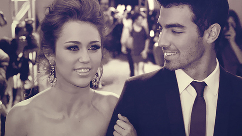 Awesome miley manip!