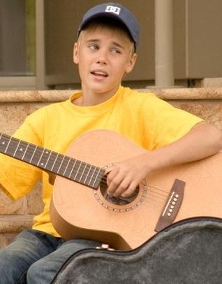 Bieber busking