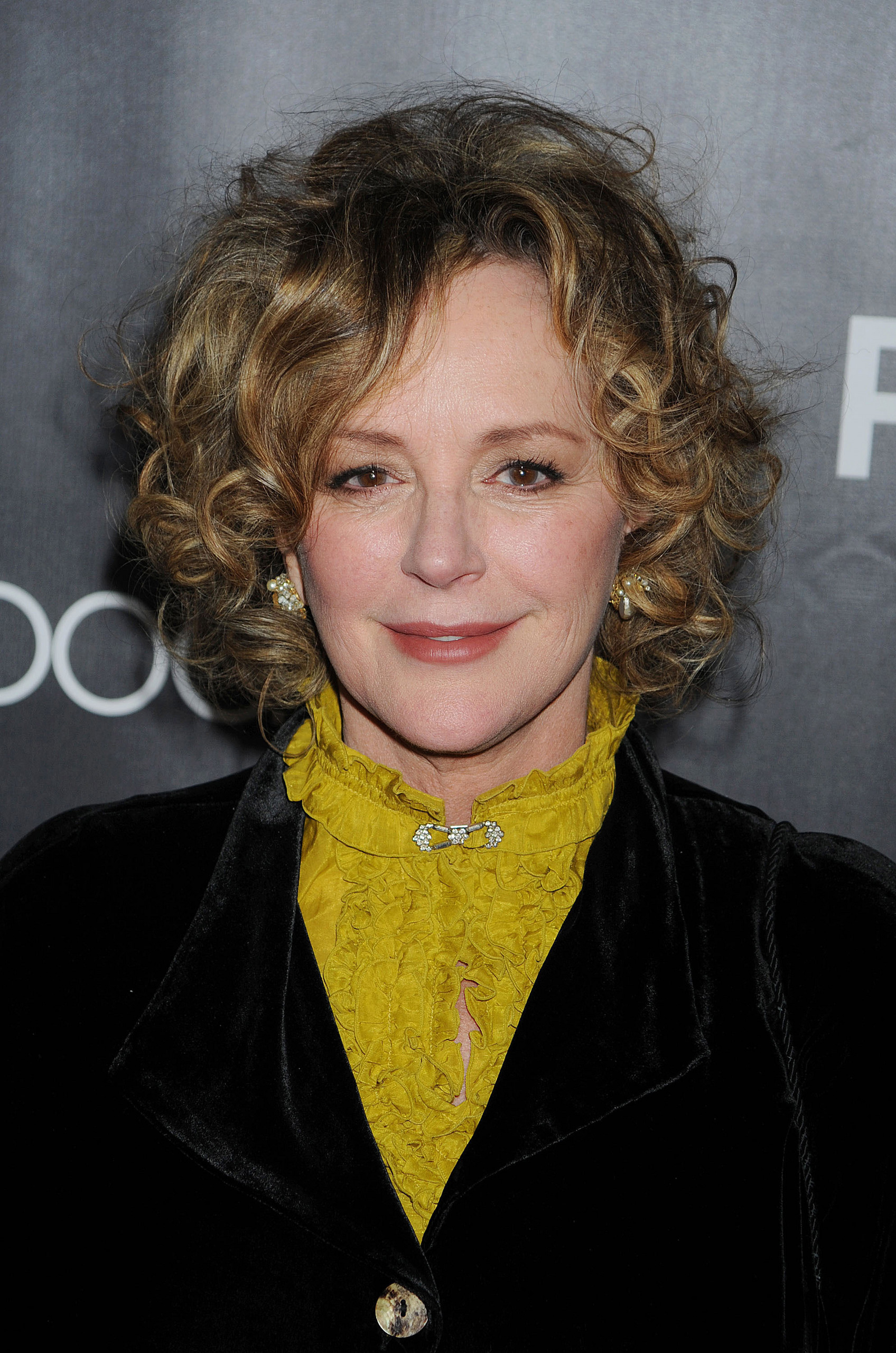The 68-year old daughter of father Philip Harley Culkin and mother Marian Ethel, 163 cm tall Bonnie Bedelia in 2017 photo