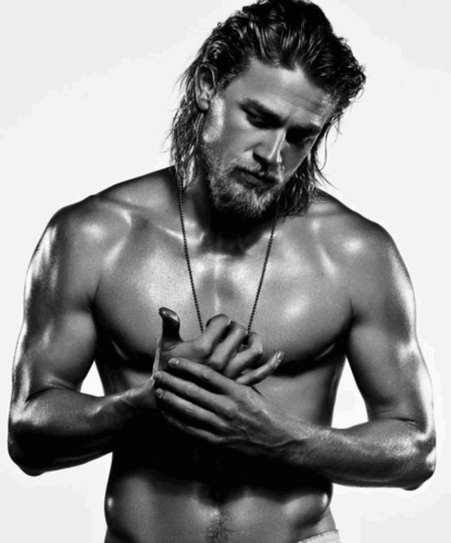 Charlie Hunnam wallpaper with skin and a hunk titled Charlie