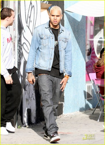 Chris Brown: Sorry For Cursing, Yelling, & Being Rude