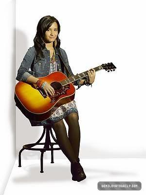 Demi guitar!