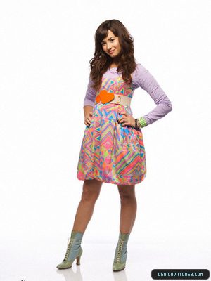 Demi lovato going school!