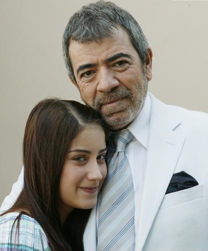 Hazal Kaya in Ask-i Memnu