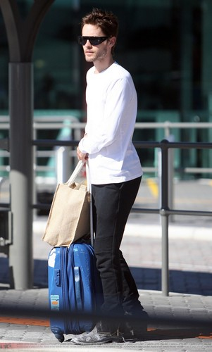Jared Leto wallpaper possibly with a hoover and a vacuum titled Jared arriving at Perth Airport (06 March 2011)
