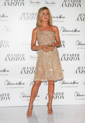 Jennifer Launches New Fragrance in Mexico City