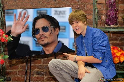 Justin Bieber with আপনি